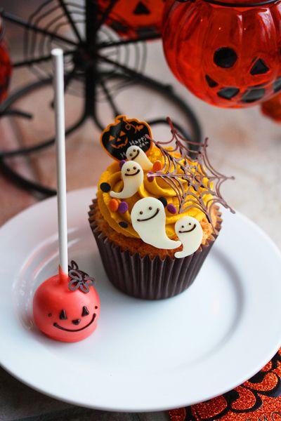 カップケーキとケーキポップス Halloween pumpkin cupcake