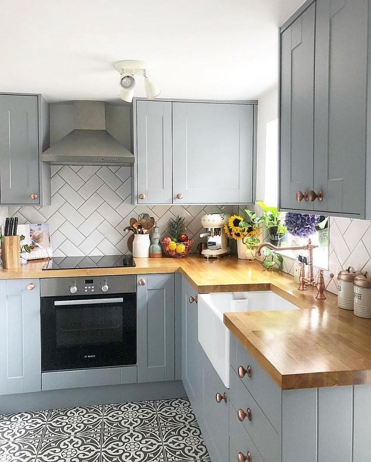 Before After A Dark Dismal Kitchen Is Made Light And Bright In