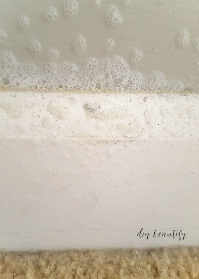 Grimy baseboards are no match for this amazing cleaning product! Take the test for yourself and see how easy it is to clean your baseboards in just seconds, without breaking a sweat! Find out more at diy beautify!