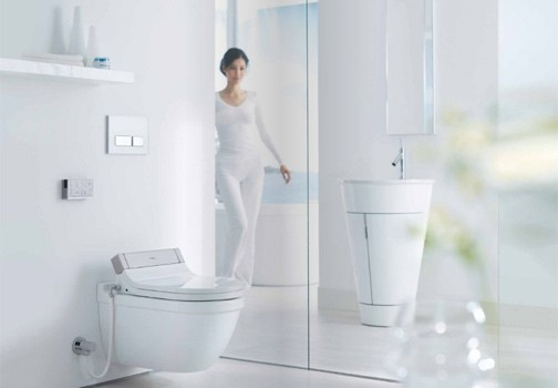 Una toilette hi tech realizzata da Philippe Starck per Duravit. http://www.leonardo.tv/hi-tech/sensowash-toilette-duravit-philippe-starck