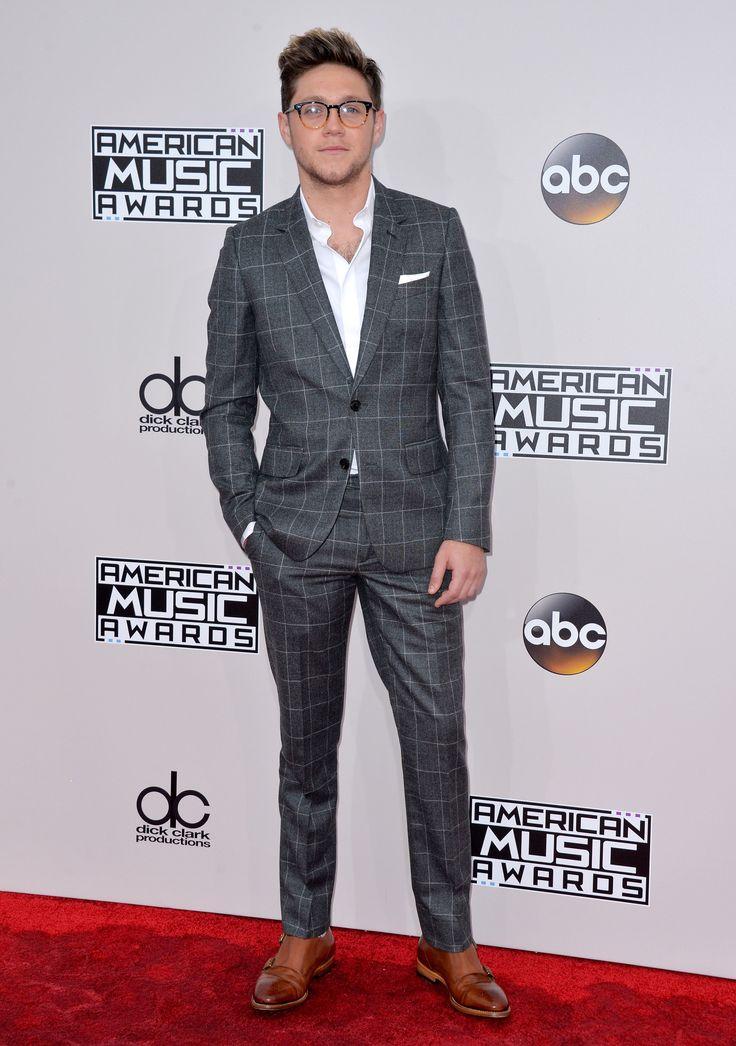 TOP 10 cele mai frumoase ținute de la American Music Awards | Lifestyle zutv.ro