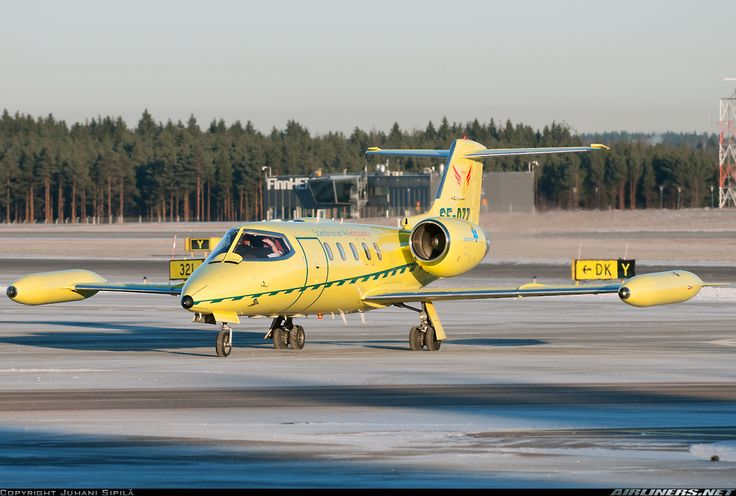 Scandinavian Air Ambulance Gates Learjet 35A SE-DZZ at Helsinki-Vantaa, December 2015. (Photo: Juhani Sipilä)