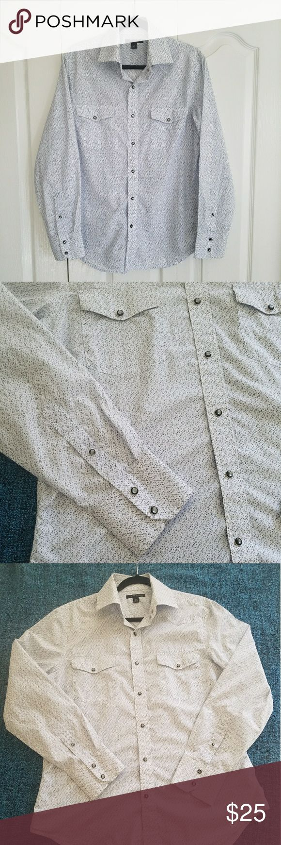 Banana Republic Long Sleeve Casual Shirt Nice pattern men's shirt from Banana Republic with two pockets.  Size Medium. Condition is like new! Banana Republic Shirts Casual Button Down Shirts
