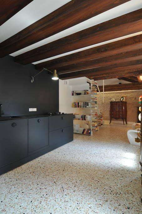 Dai un'occhiata a questo fantastico annuncio su Airbnb: Stile e comfort alla Fenice - Appartamenti in affitto a Venezia