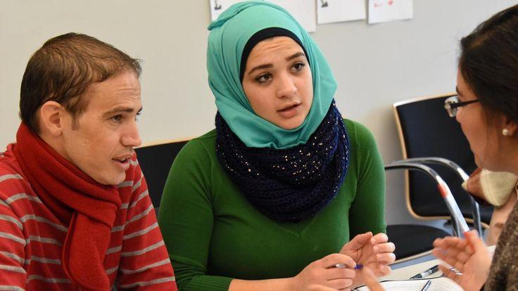 Die Zuwanderung nach Deutschland wird das Leistungsniveau in Deutschland senken –zu viel haben die meisten Flüchtlinge an Bildung aufzuholen. Langfristig ergibt sich daraus ein noch größeres Problem.
