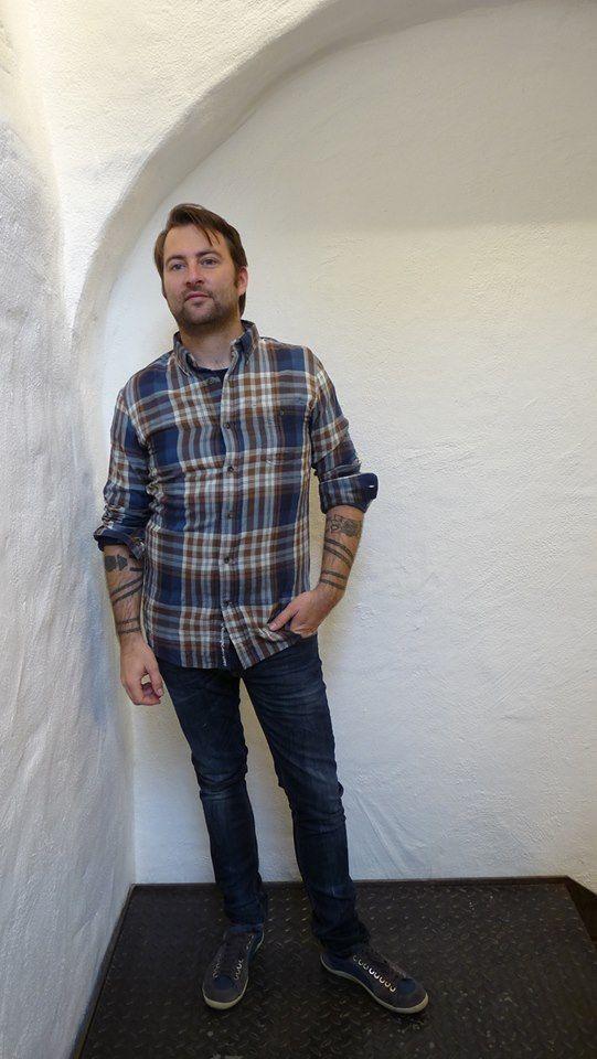 http://www.zuendstoff-clothing.de/knowledge-cotton-apparel/maenner/double-layer-shirt-dachshund-langarmhemden_pid_740_10994.html