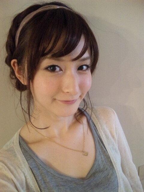 隣のお姉さん (@tonari_oneesan) | Twitter