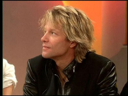 """Jon during a deutsch tv show,in 2005,promoting the album """"H.A.N.D.""""!"""