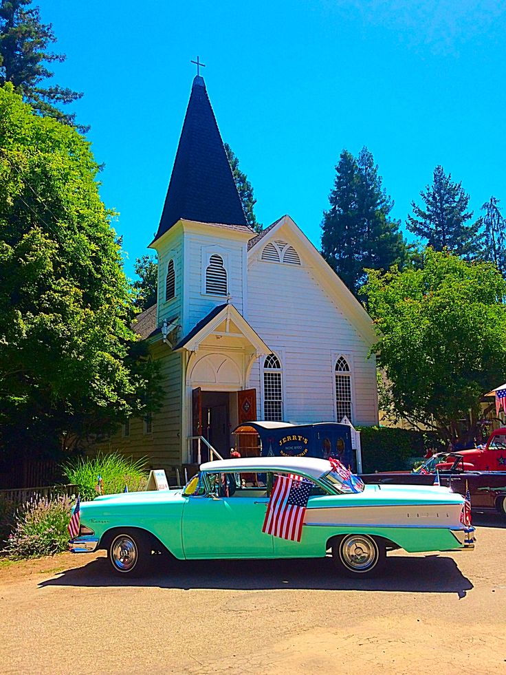 Kenwood Community Church-Carpenter Gothic