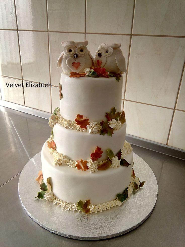 Nevesta Dianka si želala svoju svadobnú tortu v jesennom tone + zaľúbené sovičky...tato kráska važi 12kg, korpus čokoládovo mandlový...čokoládový krém a veľa veľa gaštanového krému.... Dianka a Lacko prajem Vám veľa lásky, dnešný den patrí len vám....Bride Dianka Wanted Your Wedding Cake in Autumn Tone + Favored Owls ... This Beauty Gives You 12kg, Corp Chocolate Almond ... Chocolate Cream And A Lot Of Chestnut Cream .... Dianka and Lacko I Wish You a Lot of Love Today you...