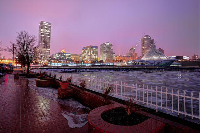 beautiful lakefront - downtown Milwaukee