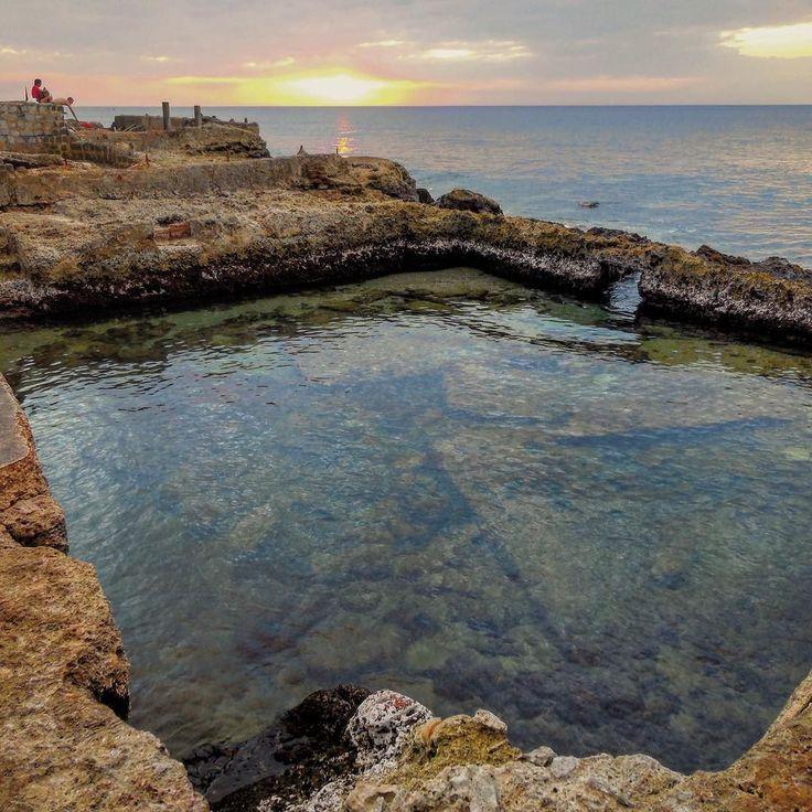 Piscinas naturales en 26 #havana #habana #miramar #cuba #sea #swimming #swimmingpool #mirrorimage #sunset #bestsunset #total_cuba #loves_cuba #loves_habana #loves_nature #loves_world #loves_landscape #ig_sky #ig_cuba #ig_sea #ig_serenety #ig_cuba #ig_sunsetshots #ig_sunset by mercecg64