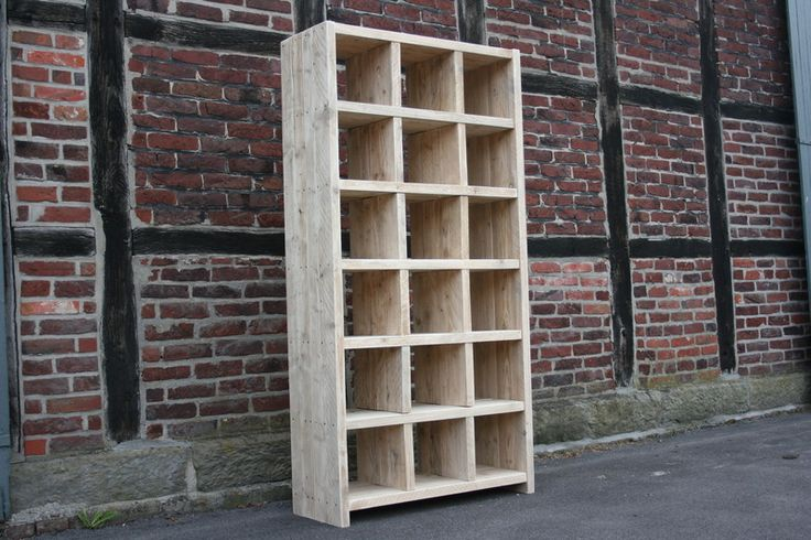 regal aus recyceltem altem bauholz ger stbaubrett von linnards handgearbeitete bauholzm bel. Black Bedroom Furniture Sets. Home Design Ideas