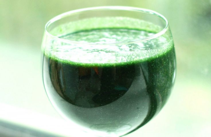 Spirulina, for those who don't know, is a cyanobacteria, a blue-green algae that's a complete protein, rich in multiple B vitamins, iron, and beta-carotene (a natural skin-clearing agent).