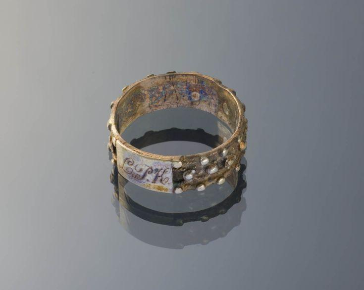 'Akkelde ring', Marken - Het Geheugen van Nederland - Online beeldbank van Archieven, Musea en Bibliotheken