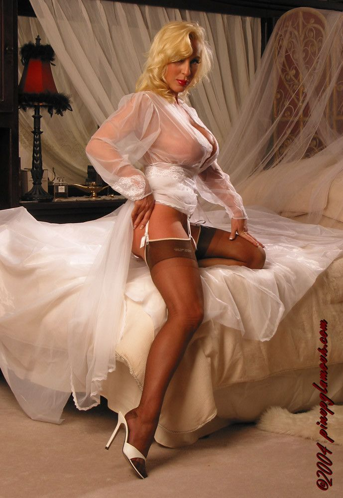 Yummy Sheer White Robe And Silky Rht Nylons  Stockings -1328