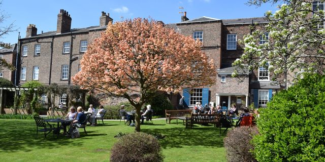 Enjoy a #cosy and #comfortable stay at The Bar Convent in York this #summer. Get out of the #busy #city and enjoy a #peaceful and #relaxing break. #gardens #trees Visit: http://bit.ly/2abk6nk