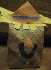Not-So-Scary Scarecrow - This fall craft is perfect for little ones. A fun Halloween craft for classroom or kids' parties!