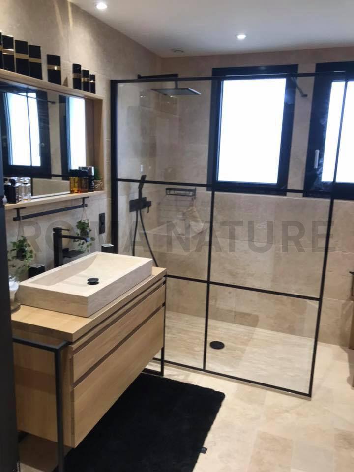 salle de bain travertin bois style