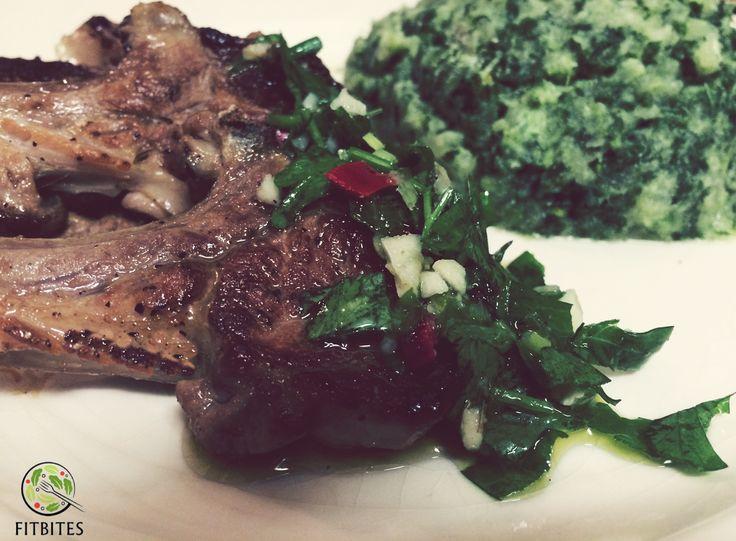 Cozy quick healthy meal!  #lowcarb #healthy #eatforabs #healthyfoodideas #healthylifestyle #foodisfuel #cleaneats #absaremadeinthekitchen #healthyinspiration #strongnotskinny #eathealthy #fitness #healthysnack #healthyfoodshare #instafit #motivation #weightloss #fitnessgirls #gezondeten #lekkereten #gezond #lambchops#lamb