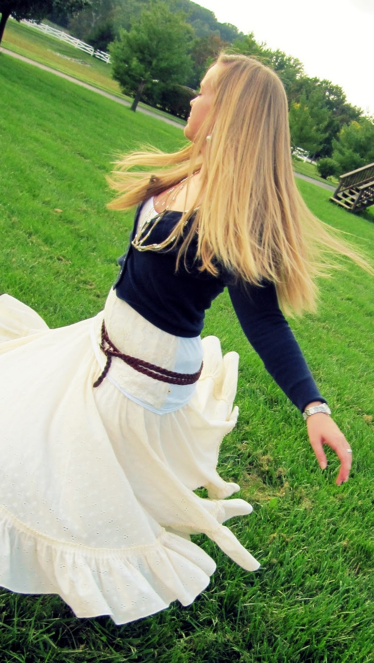 Skirt made from round tablecloth, I knew that someone would think of this! <3