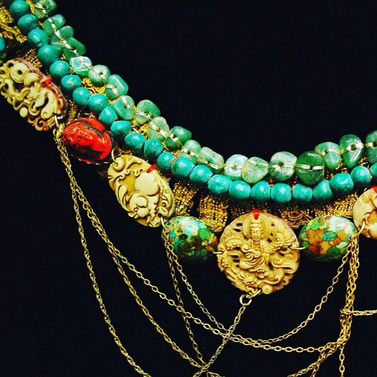 """Колье """"Зеленое""""  нефрит, золотая тесьма , керамика, акриловая смола. Pavlenkojewellery"""