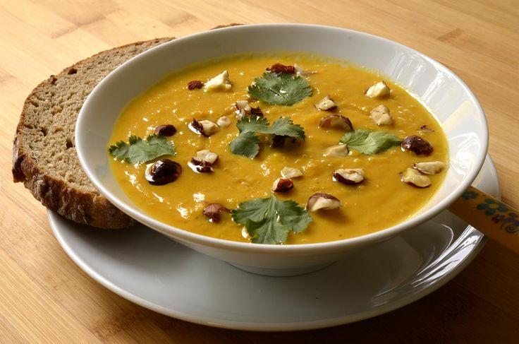 Cette soupe peut constituer un repas complet accompagnée d'une tranche de pain. Elle peut être préparée à l'avance ou congelée. Si vous n'avez pas de cocotte minute, le temps de cuisson dans une grande casserole sera de 20 minutes environ. Les carottes doivent être bien tendres une fois cuites. Voici une petite astuce pour concasser […]