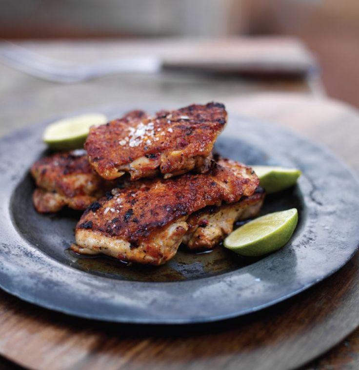 Este tempero funciona bem com qualquer carne, mas dá à subtileza do frango um interesse especial