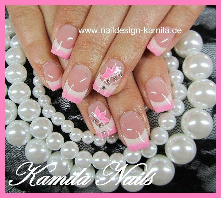 Pink & White tips ♡