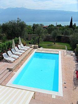 Private accommodation in Bogliaco, Nr. Gargnano, Lake Garda, Italy IT4319