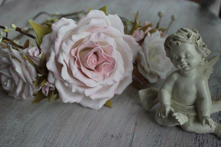 Хотите быть самой красивой невестой? Этот венок для невесты я делала с огромной нежностью... Принимаю заказы на веночки и бутоньерки. https://www.facebook.com/%D0%9Cagic-store-%D0%9B%D0%B0%D0%…/ #Лавка_чудес #Цветы_из_фоамирана #Flowers_from_Foamiran