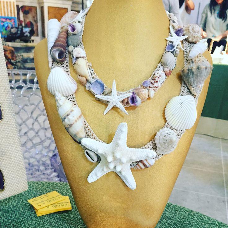 Collane di conchiglie Made in Salento by Interno 2 creazioni artigianali  Pagina Facebook Interno 2 creazioni artigianali Mail: interno2creazioni@libero.it