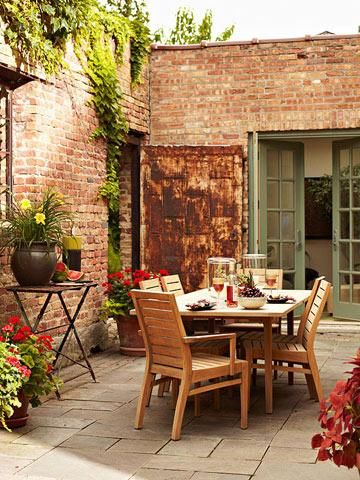Homeowners in Chicago and Columbus, Ohio, share their innovative ideas for extending interior living to the great outdoors.