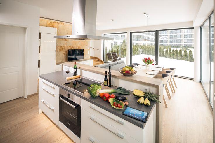 Sehen Sie sich die exklusive Ausstattung unserer Mietwohnungen im Projekt Residenz am Zwinger in Dresden an. Jede Wohnung verfügt über eine voll ausgestattete Küche, maßgefertigte Möbel und einen Whirlpool. Einige Wohnungen haben auch eine Sauna und eine Terrasse mit herrlicher Aussicht auf den Zwinger.  Sie können die Wohnung ab 3 Nächten mieten. Mehr Informationen finden Sie auf der neuen Webseite unseres Projektes: www.residenz-am-zwinger.de/.