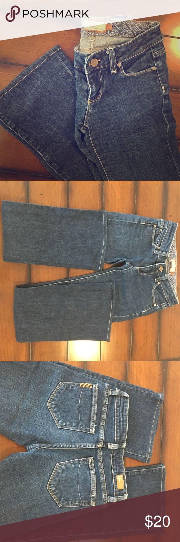 "Paige Premium Denim Jeans size 25 Paige Premium Denim, 'Laure Canyon', bootcut jeans, size 25. Medium wash, EUC! No fraying, rips, stains or tears. 29"" inseam. Paige Jeans Jeans Boot Cut"