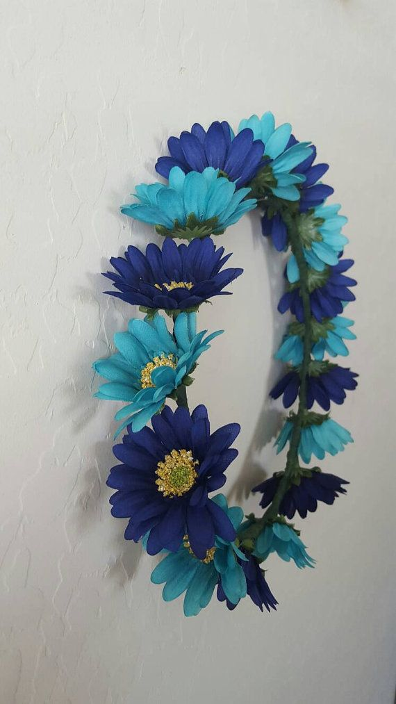 Check out this item in my Etsy shop https://www.etsy.com/listing/457220108/teal-and-blue-daisy-floral-crown-flower