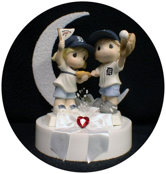 Michigan Detroit TIGERS Baseball FANS Wedding by YourCakeTopper, $142.00