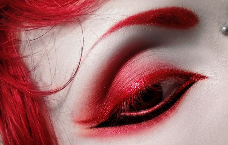 raspberry-corpse:  STAGE3 ∴ vamp eye