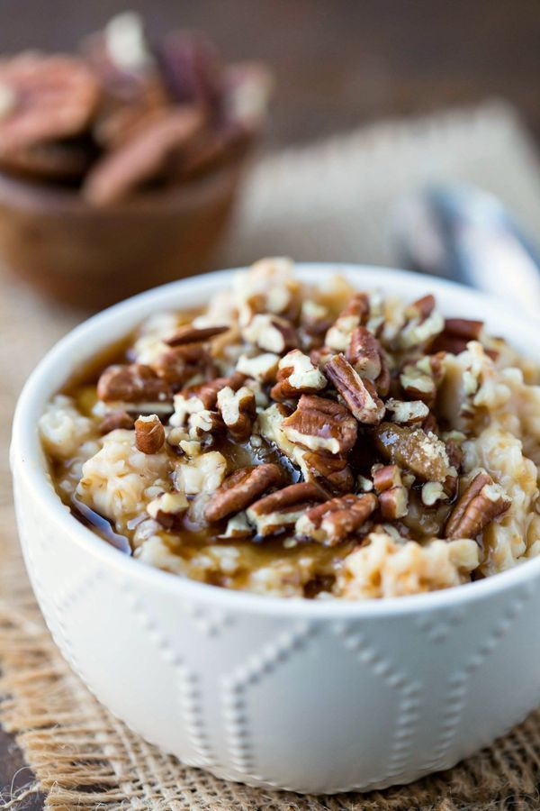 Slow Cooker Overnight Pecan Pie Oatmeal Recipe is a yummy, healthy, make-ahead breakfast that takes maple & brown sugar oatmeal up a few notches!