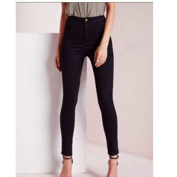 Black high waist jeans Black high waist jeans, once again. Ordered online and wayyyy to small. I'm a 6 so I'd say they would fit a size 2. They are so cute. Pretty disappointed they didn't fit Jeans Skinny