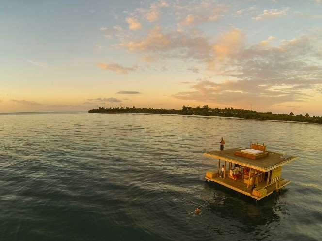 Manta Underwater Room (© The Manta Resort) off the coast of Tanzania [more at pinterest.com/eventsbygab]