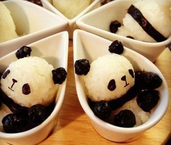 Sushi art. Il s'agit ici de sushi en forme de panda, sans doute aussi bon que mignon!
