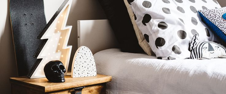 Rock n roll styling for tween bedrooms. Children's lighting with attitude. http://www.fromagelarue.com.au/collections/petite-vegas-letter-lights