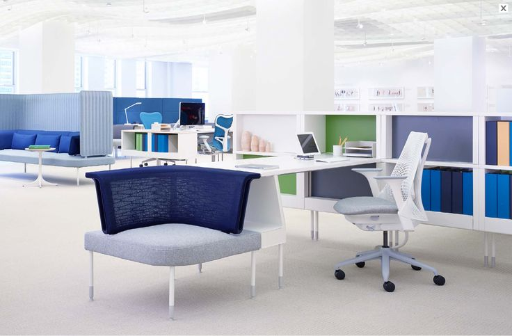 Herman Miller Showroom - By bringing ergonomic soft seating to the desk, Public Office Landscape enables collaboration and spontaneous interaction.