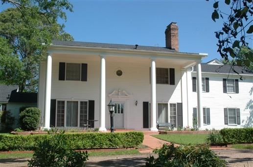 Wisteria Bed And Breakfast Lufkin Texas