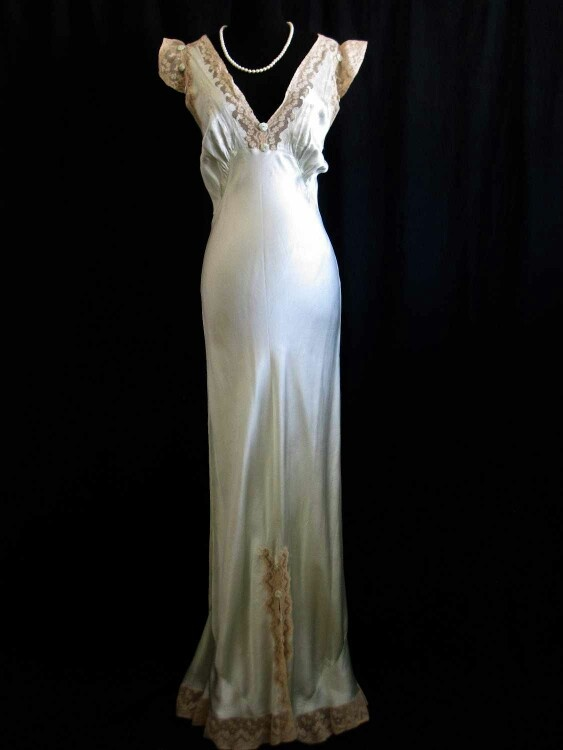 49 best images about 1920s wedding on pinterest 1920s for Vintage 1920 wedding dresses