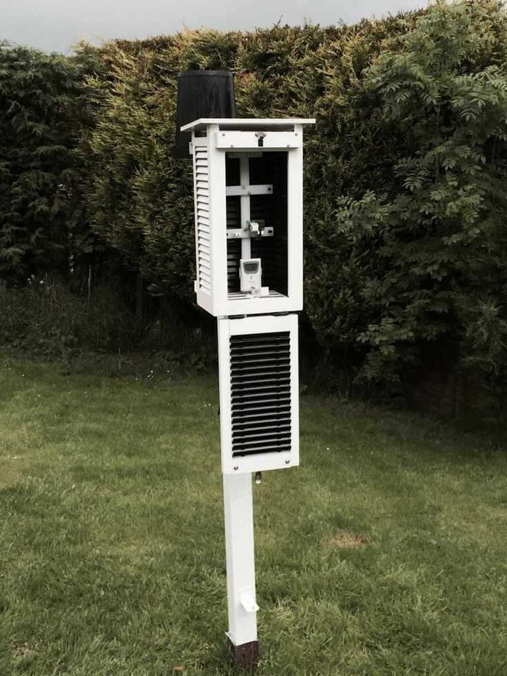 via @MattHugo81: New Stevenson screen from http://www.MetSpec.net housing VP2 sensor.  UKMO tested/standard. #accuracy #monitoring