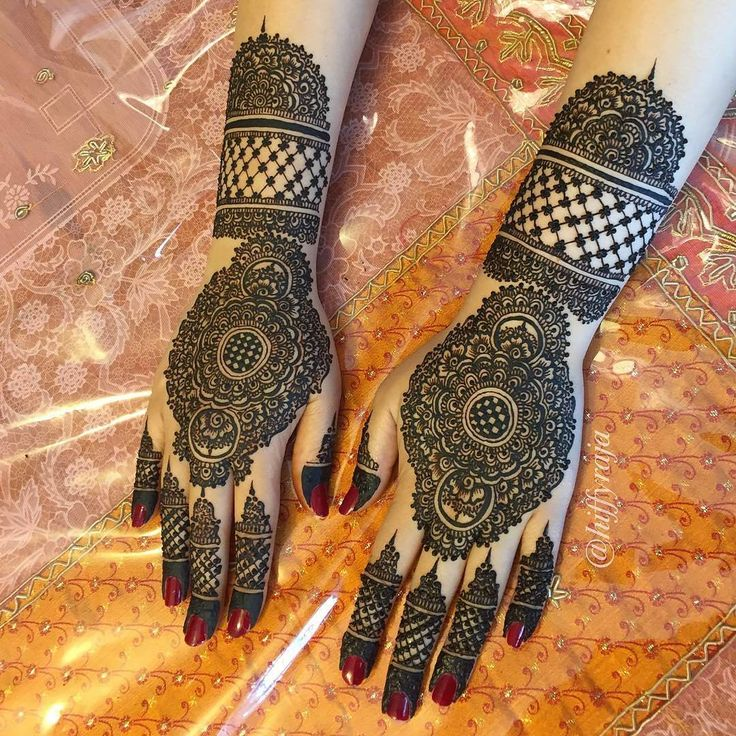 "6,007 Likes, 25 Comments - ✨ Daily Henna Inspiration ✨ (@hennainspo_) on Instagram: ""do detailed! ✨ // by @hiffyraja . . #henna #mehndi #whitehenna #wakeupandmakeup #zentangle #boho…"""