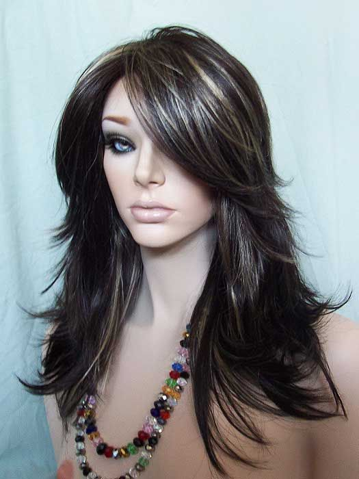 Nirvana Tarah Wig in dark brown highlighted with golden blonde