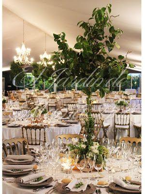Detalle de centro de mesa. Weddings in Spain. www.eljardindemam... Facebook: www.facebook.com/... Blog: eljardindemamaana